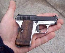 Beretta 418 in hand